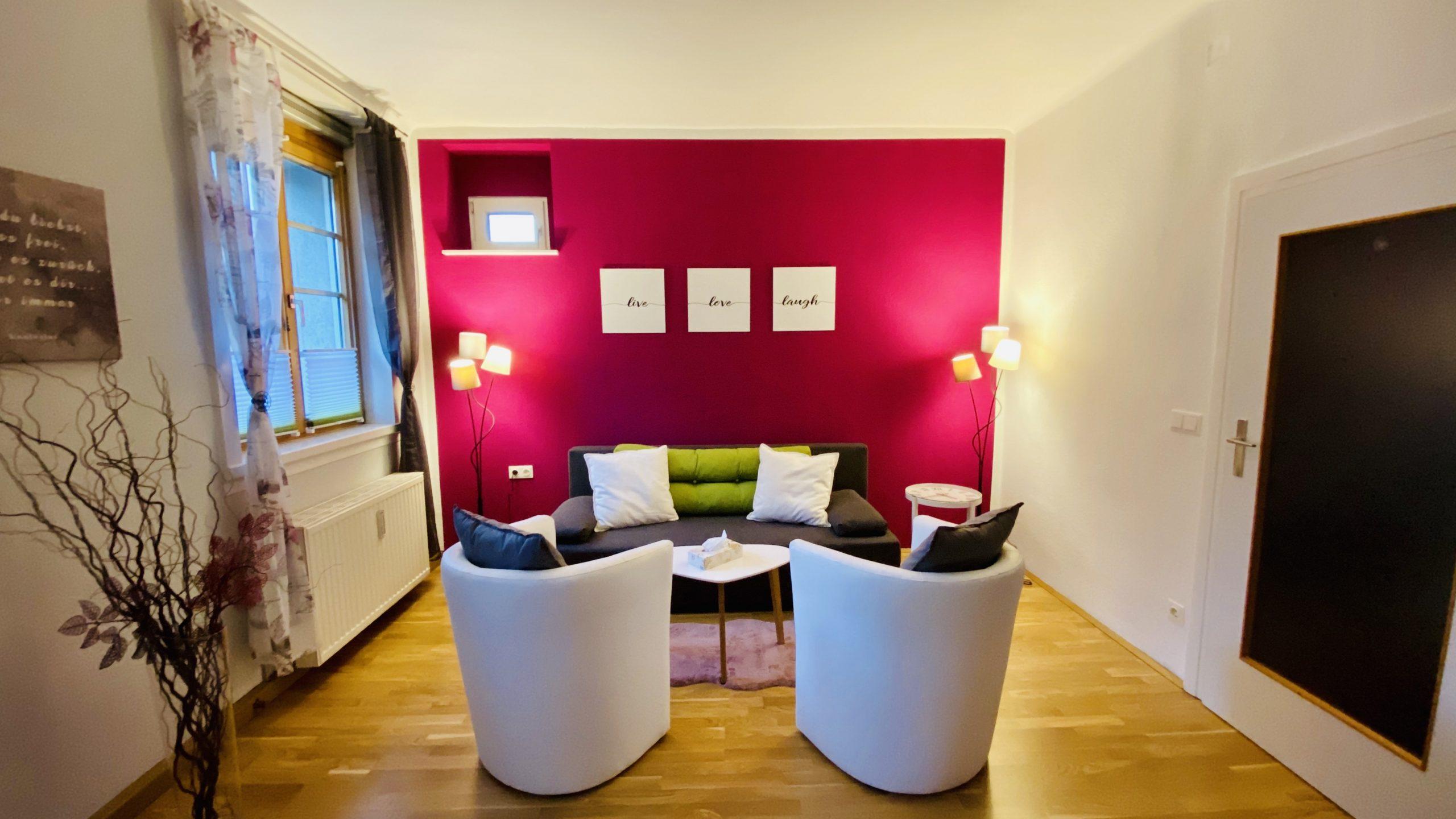 Ansicht Praxis purple Wand